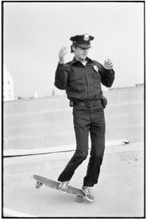 skateboardingcop2small-psd
