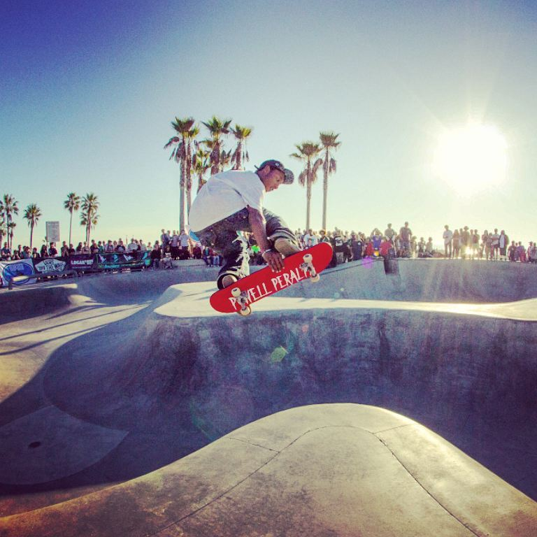 The last xmas we put together a great @Vans Makaha food drive bowl jam went off in Venice! Stay tuned for some new details for our 2016 fundraiser, brought to you by @vans, makaha, @poweredgemag and @whateverskateboards. Contact us if you would like to be a sponsor! 100% All proceeds and food raised to charity. 😇